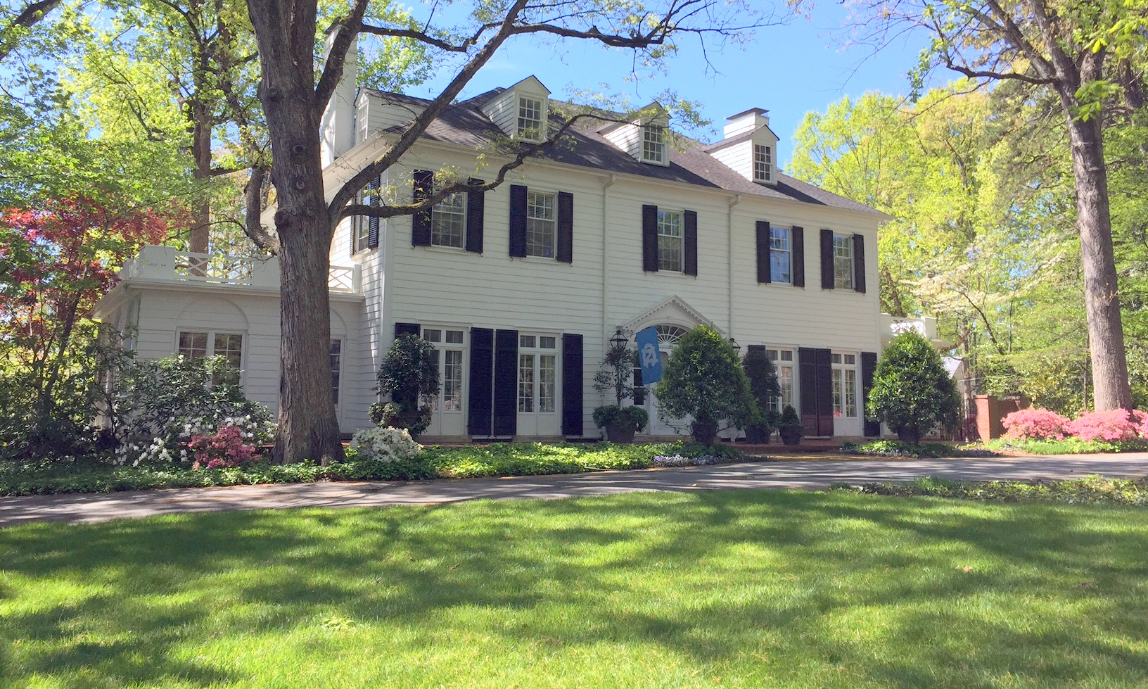 House With Distinguished Past Rounds Off Tour